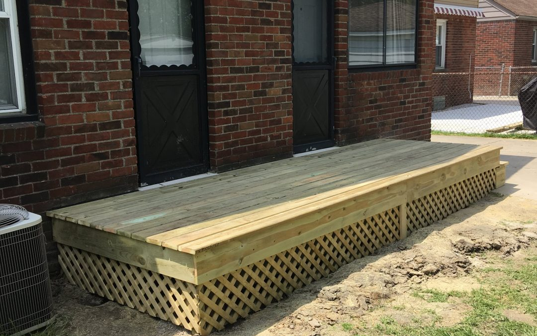 St. Clair Shores Deck